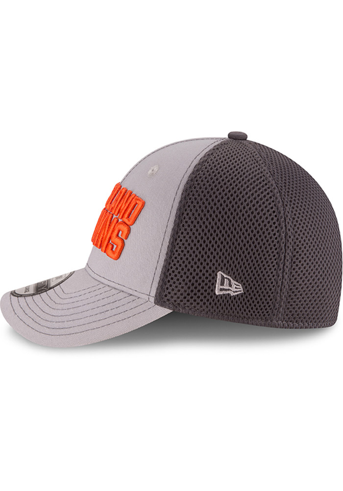 New Era Cleveland Browns Mens Grey Grayed Out Neo 2 39THIRTY Flex Hat - Image 4