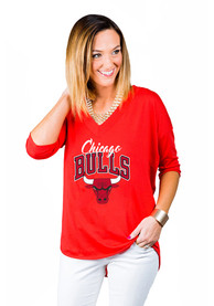 Chicago Bulls Womens Gameday Couture Weekender Dropped Hem V Neck T-Shirt - Red