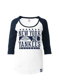 New York Yankees Womens Athletic White Scoop Neck Tee